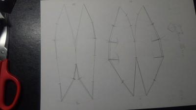 図12: 修正後の型紙。切れ込み入ってます。